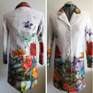 tailormade coat with aligned flower print